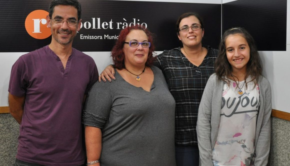 Gitanes a la ràdio. Featured Image